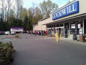 Line at Goodwill Bellevue designer sale